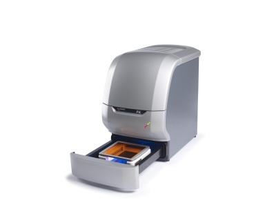 Multi-application gel imaging system