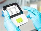 fluidlab R-300 Handheld Cell Counter & Spectrometer